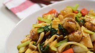 たけのこの水煮と野菜たっぷり酢鶏ボール